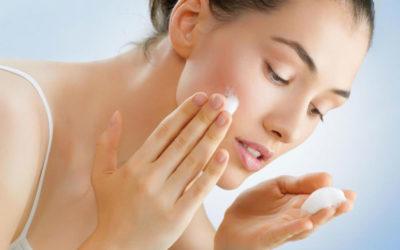 A importância de nutrir a pele a noite